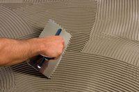 Как рассчитать расход клея для плитки и керамогранита