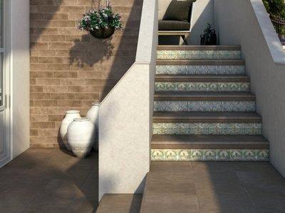 Советы по укладке керамических ступеней
