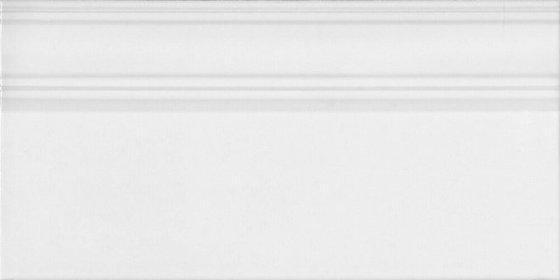 Плинтус Монфорте белый обрезной - главное фото